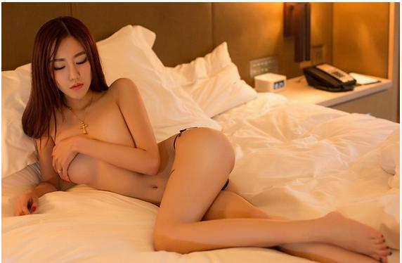Mỹ nữ siêu quyến rũ với bộ ảnh khỏe thân e ấp trên giường